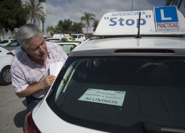 Driving in Spain: Who can exchange their licence and who has to resit the exa