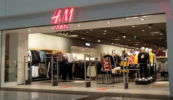 H&M closing 30 stores