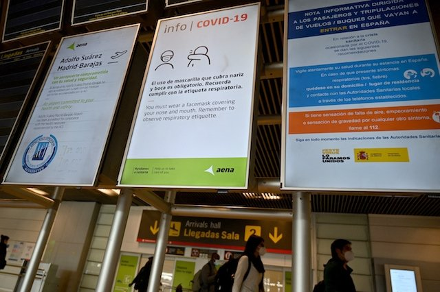 Madrid slams Spanish govt for allowing Barajas travellers in with positive PCR tests