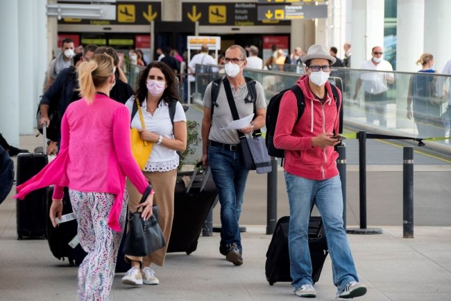 Spain to welcome global travelers from next week, but they must have been vaccinated 14 days previously