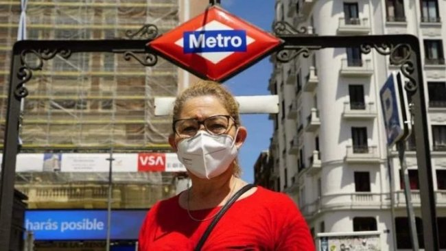 """Spanish Experts Call For """"Caution"""" And Recommend Continuing To Wear A Mask In Crowds"""