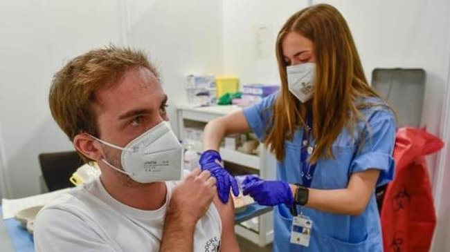 Spain once again exceeds 30,000 daily Covid-19 infections