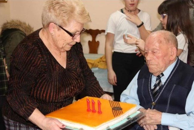 The Oldest man on earth is Spanish...again